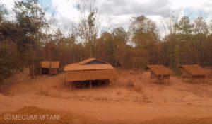 ミャンマーの村(c)Megumi Mitani