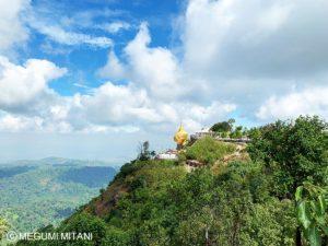 Myanmar-goldenrock2(c)Megumi Mitani