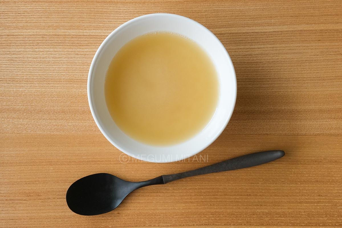 ゼンブヌードル スープ(c)Megumi Mitani
